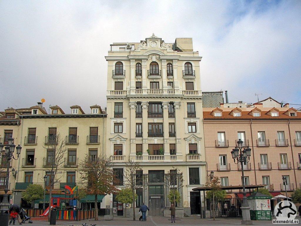 Rehabilitación de edificio de viviendas. Plaza de Santa Ana